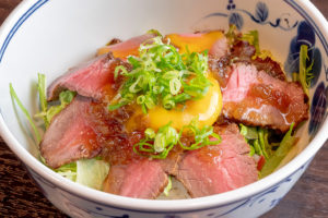 自家製ローストビーフ丼…700円