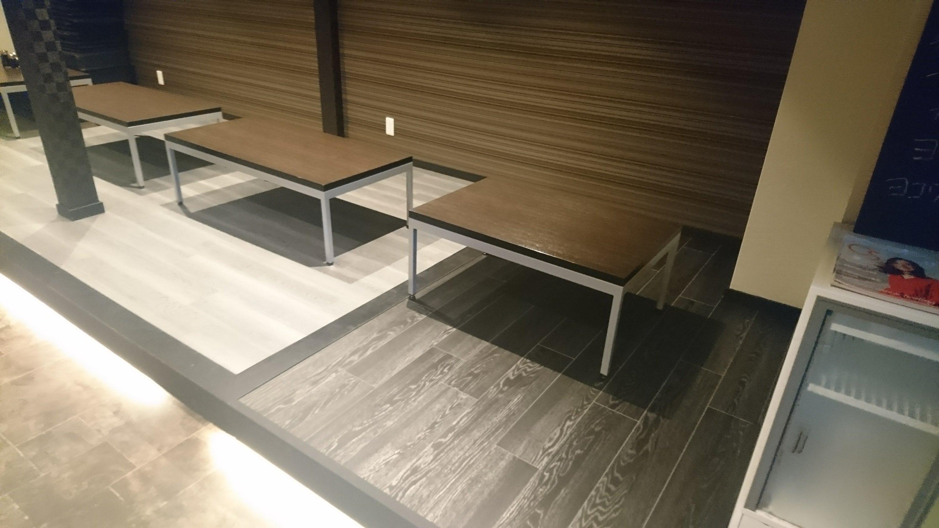 テーブル席を広く改装
