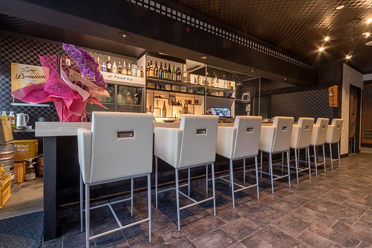 舞鶴市で1番くつろげる居酒屋のカウンター席です